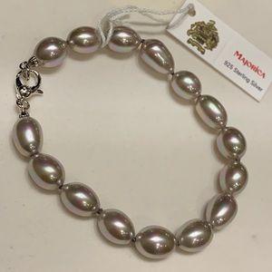 Jewelry - Majorica Nauge Pearl Bracelet!